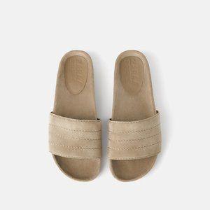 NWT Zara US 6.5 Velvet Sandals